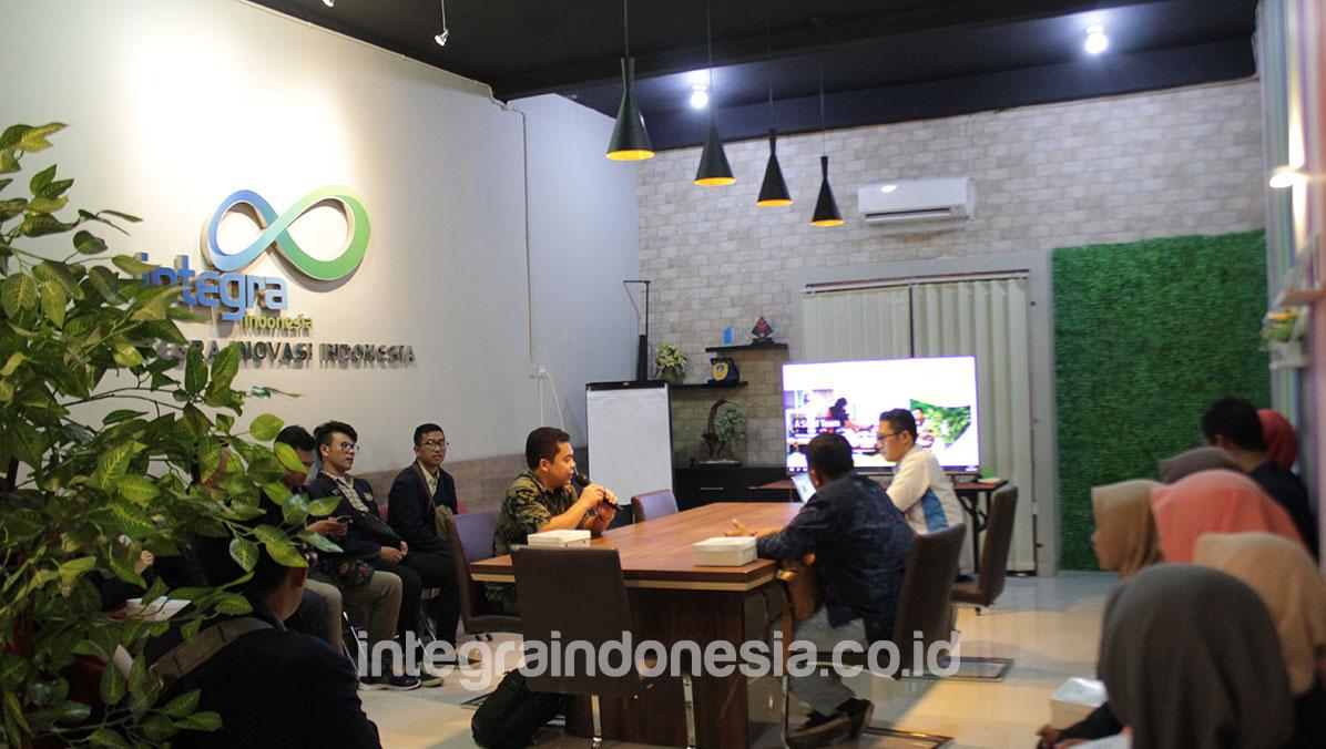 Kunjungan Industri Universitas Negeri Surabaya